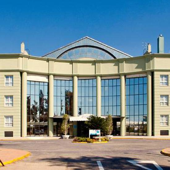 OUTDOOR PARKING Alcora Business & Congress Hotel -